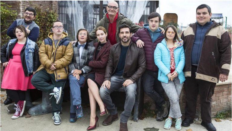 Guida Tv 17 dicembre: Ognuno é perfetto, Le Iene show, DiMartedi