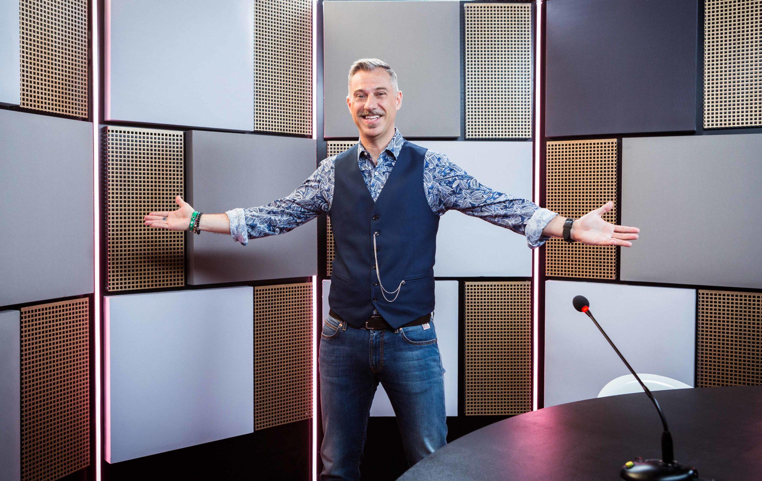 """""""Deal with it – Stai al gioco"""", dal 5 gennaio il game show con Gabriele Corsi in prima serata"""