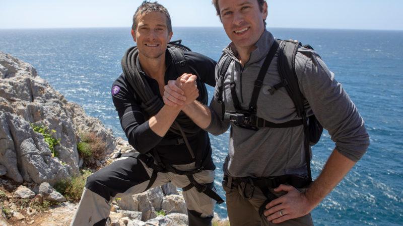 Guida Tv Sky 1° marzo: Essere James Bond, Bear Grylls: Celebrity Edition