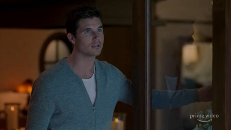 Upload: il primo trailer della serie Amazon con Robbie Amell