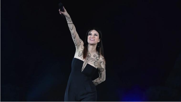 Stasera Laura – Ho creduto in un sogno, in replica su Rai Uno il concerto
