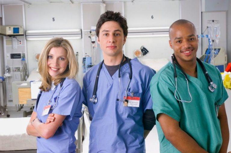 Scrubs: Hulu rimuove gli episodi con la blackface