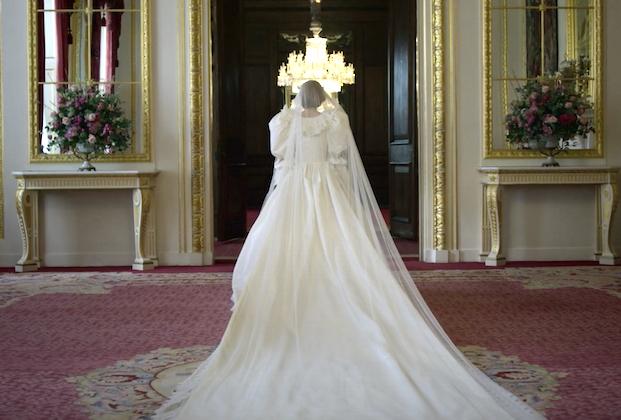 The Crown: la quarta stagione a novembre su Netflix, Gillian Anderson nel primo teaser