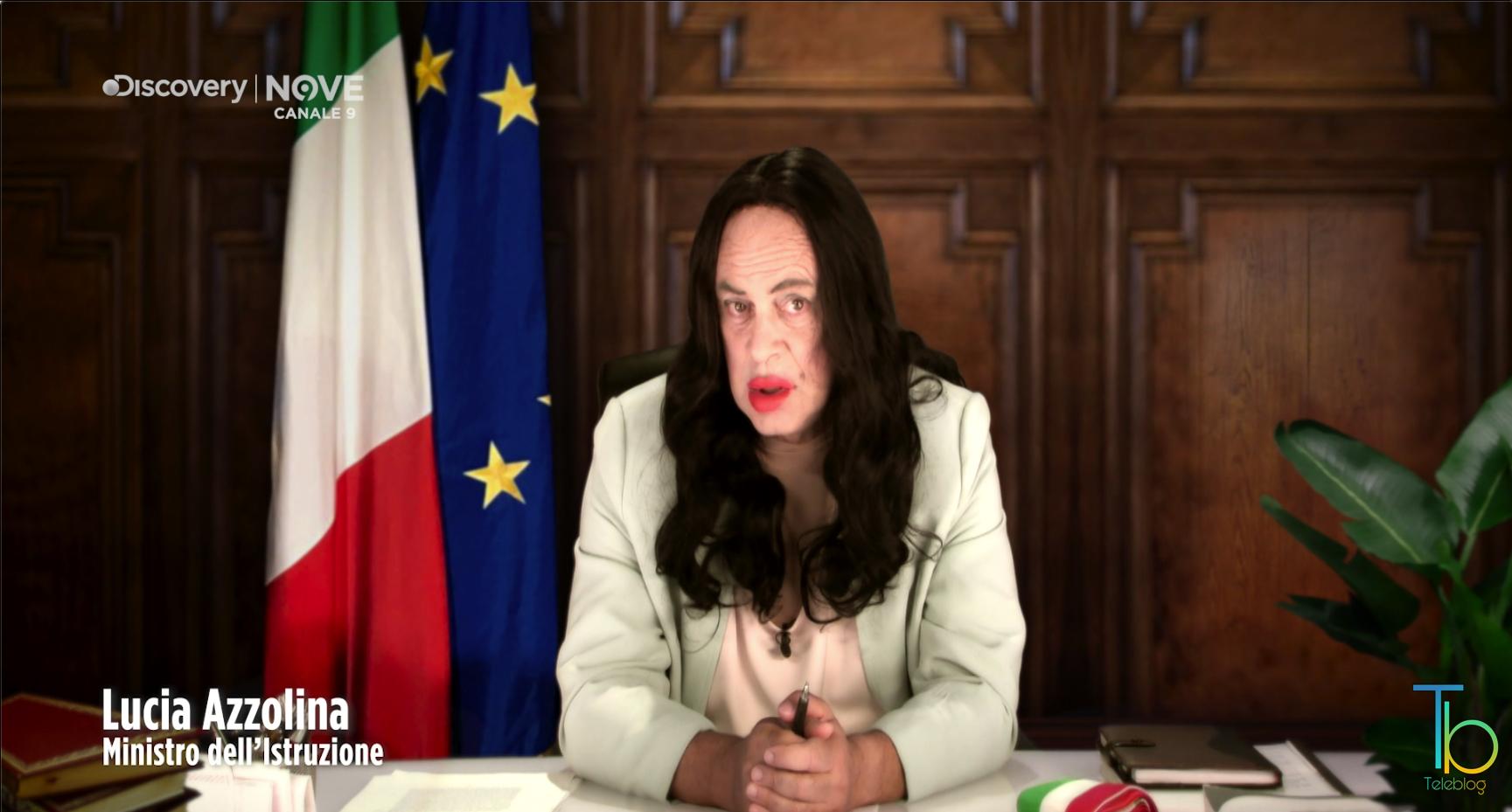 Maurizio Crozza imita Lucia Azzolina