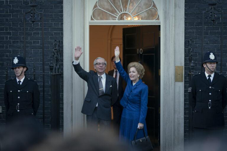 The Crown, Gillian Anderson é Margaret Thatcher nella quarta stagione in arrivo su Netflix