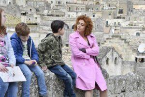Ascolti tv 27 ottobre, vince Imma Tataranni, buona partenza per Il collegio: il podcast di oggi