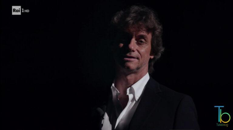 Ascolti tv 4 novembre: serata vinta dalla replica di Ulisse con Gigi Proietti: il podcast di oggi