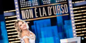 Ascoltitv, chi vince stasera? 28-02-21: Live non é la D'Urso farà meglio senza Fazio?
