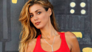 L'isola dei famosi, Daniela Martani naufraga ed é già polemica: lei nasconde il profilo Twitter