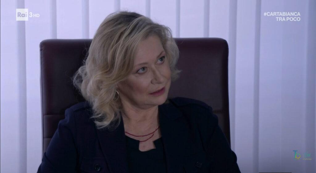 Barbara circuisce Alberto