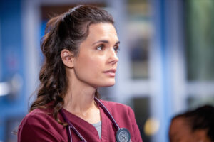 Chicago Med dice addio a Yaya DaCosta e Torrey DeVitto